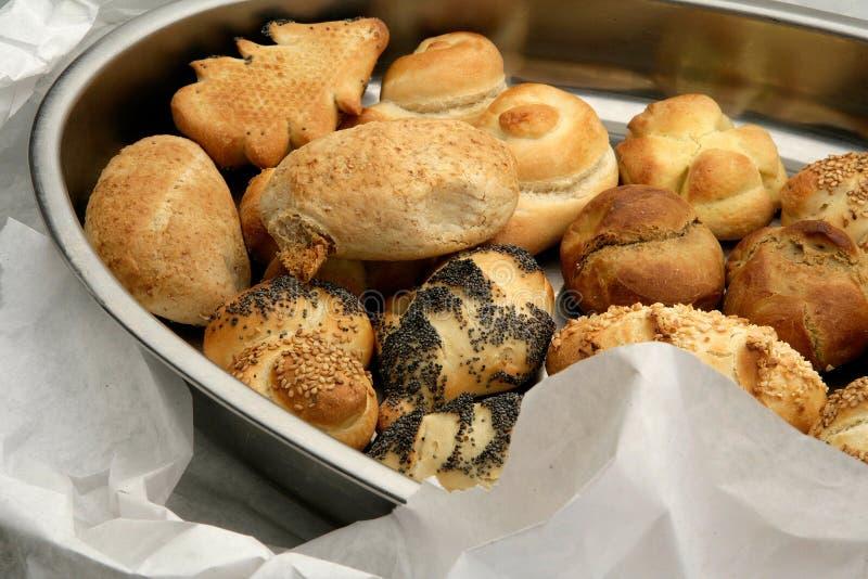 Hartesan bagels dobierający i brogujący w tacy zdjęcia royalty free
