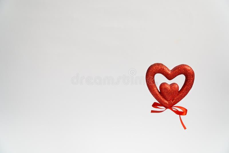 Hartprentbriefkaar met het hart van de dagvalentine van hartvalentine Op witte achtergrond wens prentbriefkaar geluk royalty-vrije stock afbeeldingen