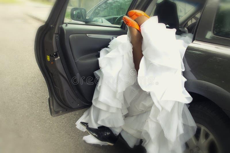 Hartstochtelijke bruid en bruidegom royalty-vrije stock fotografie
