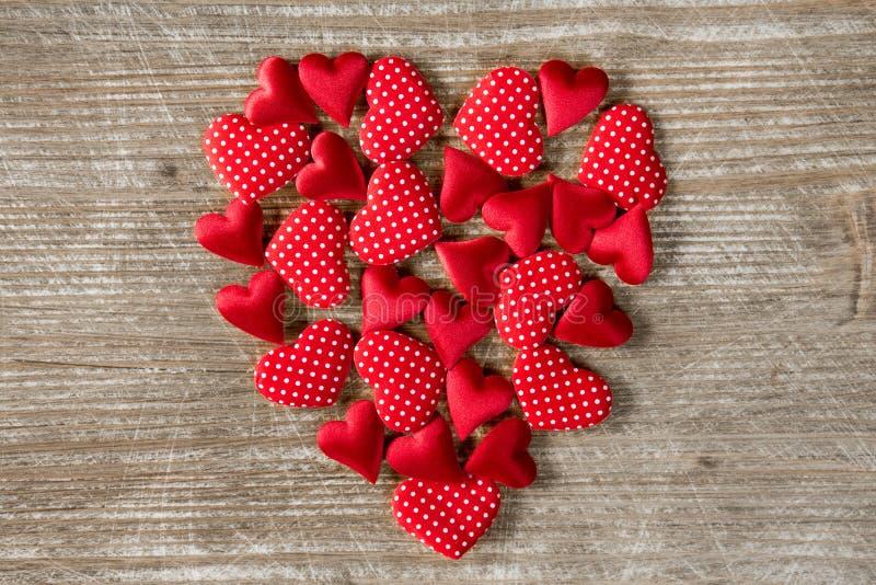 Hartvorm met kleine harten wordt gevormd dat stock afbeeldingen