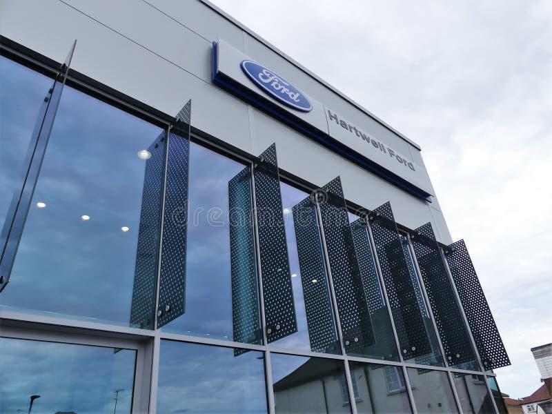 Hartwell Ford medelåterförsäljare, 202 till vägen för 204 Rickmansworth, Watford arkivfoton