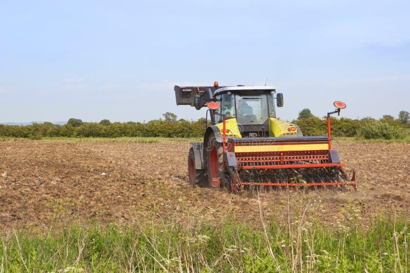 Download Harva för fält arkivfoto. Bild av liggande, natur, lantbruk - 19784256