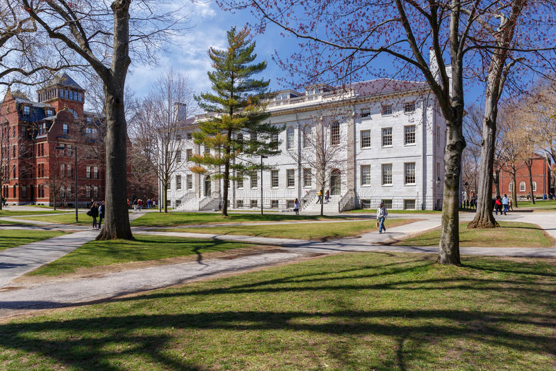 Harvard-Campus im Frühjahr stockfotos