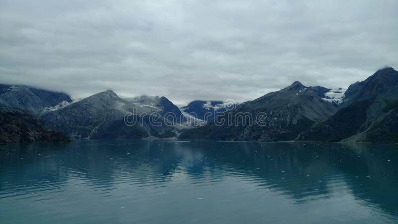 Harvard-Gletscher-College-Fjord Alaska Großer Gletscher, der in den Pazifischen Ozean in Alaska schiebt stockfotos
