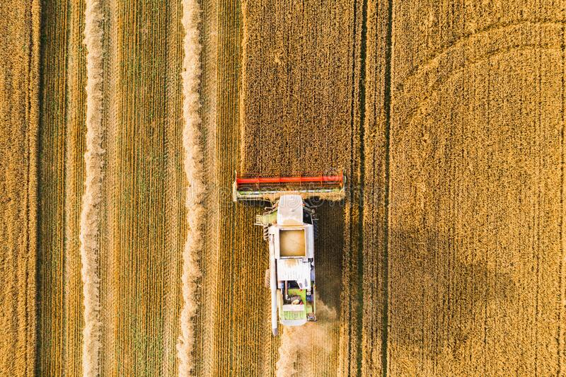 Harvester machine-drone-weergave stock foto's