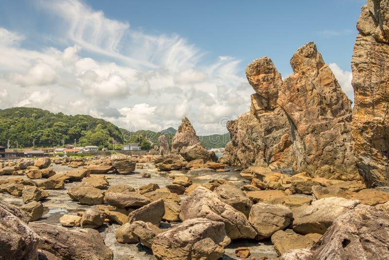 Hashigui-AIT, rochas eretas em Kushimoto, Wakayama, Japão fotografia de stock