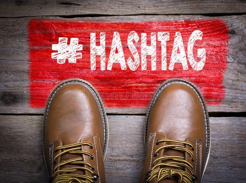 Hashtag Vue supérieure de botte sur le fond en bois photo libre de droits