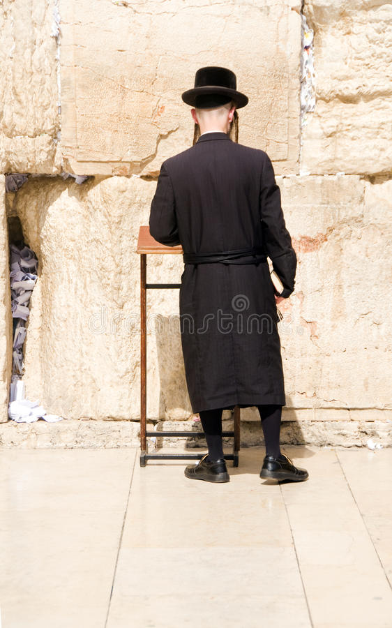 jewish single men in wall Jewish men and women will for the first time be allowed to pray side-by-side at the wailing wall following a decision by the israeli cabinet.