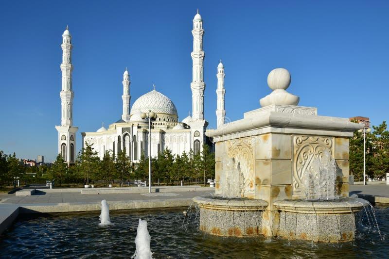Hasret Sultan Mosque in Astana lizenzfreie stockbilder