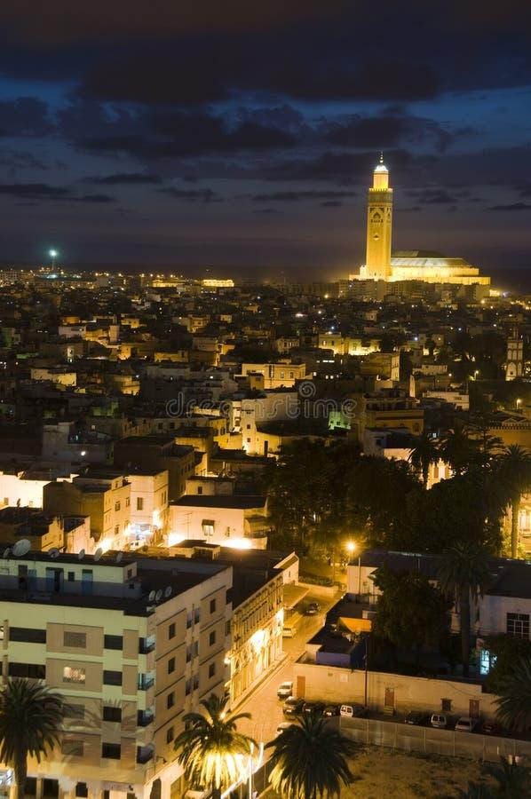 Hassan II de nacht van moskeeCasablanca Marokko stock afbeelding