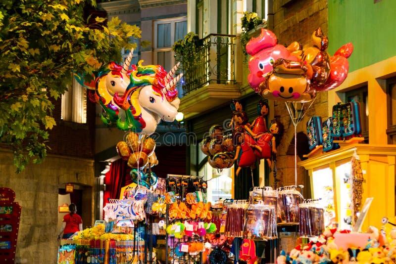 HASSELT, BELGIO - 8 AGOSTO 2018: Prodotti nel boutique del ricordo fotografie stock libere da diritti