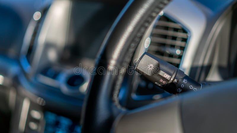 Haste do controle do limpador de para-brisa do carro foto de stock
