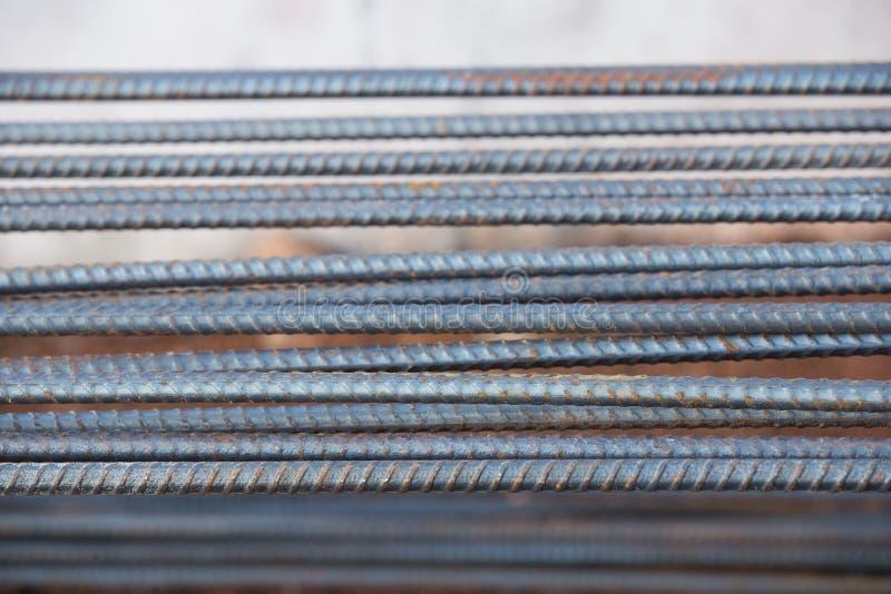 Hastes ou barras de aço usadas para reforçar o concreto imagens de stock
