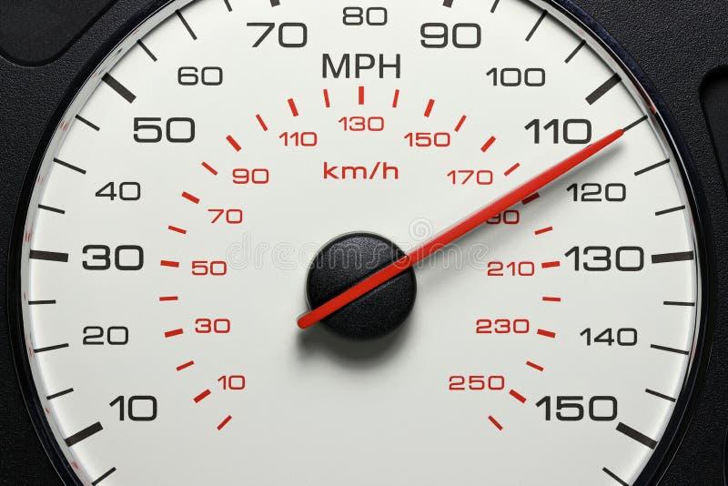 Hastighetsmätare på 115 MPH fotografering för bildbyråer