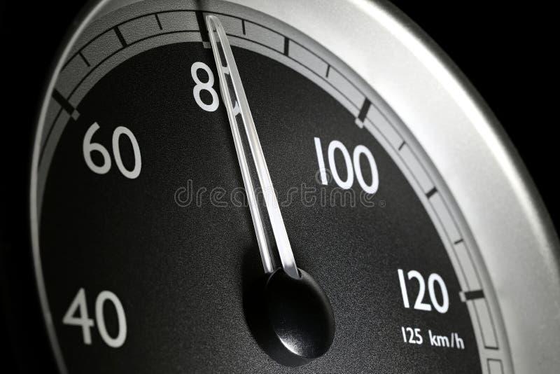 Hastighetsm?tare av en lastbil royaltyfri fotografi
