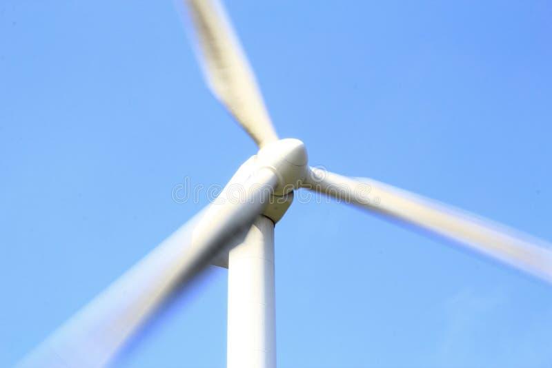 Hastighetsrotation av vindturbinen arkivfoton