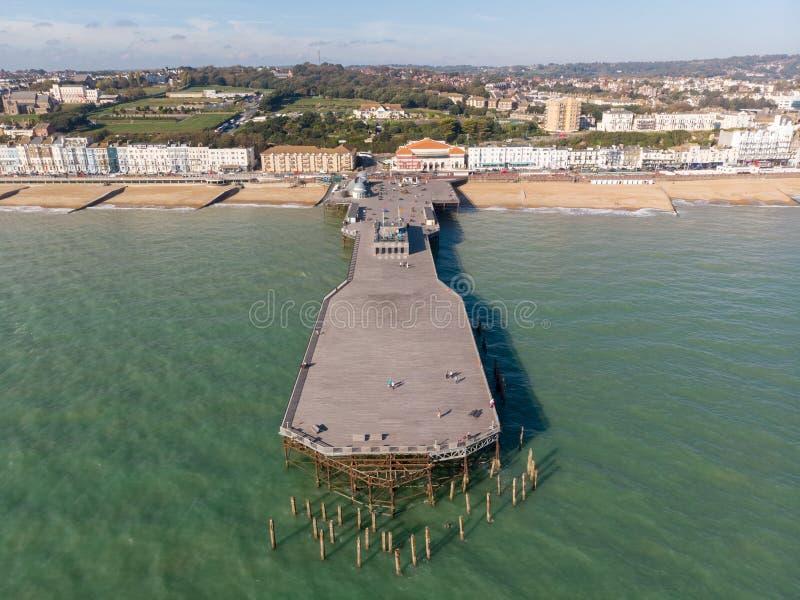 Hastings Reino Unido, 10-16-18 - vista aérea del embarcadero de Hastings imagen de archivo