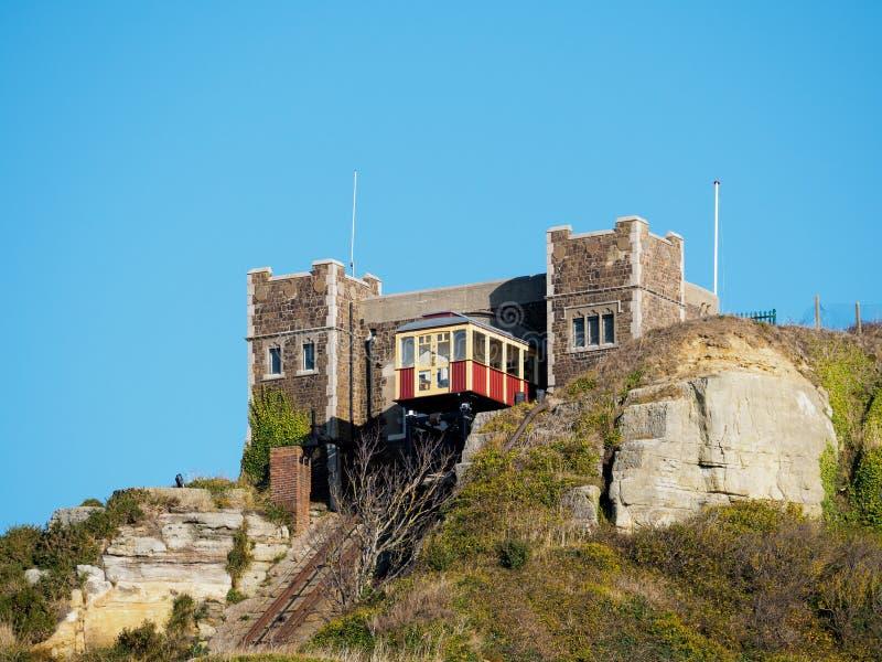 HASTINGS, SUSSEX/UK DEL ESTE - 6 DE NOVIEMBRE: Colina del este Rai funicular fotos de archivo libres de regalías