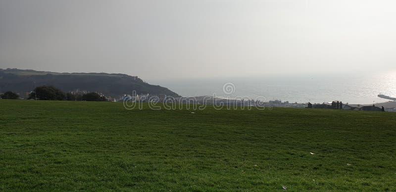 Hastings ( visión desde Hastings Castle) imágenes de archivo libres de regalías