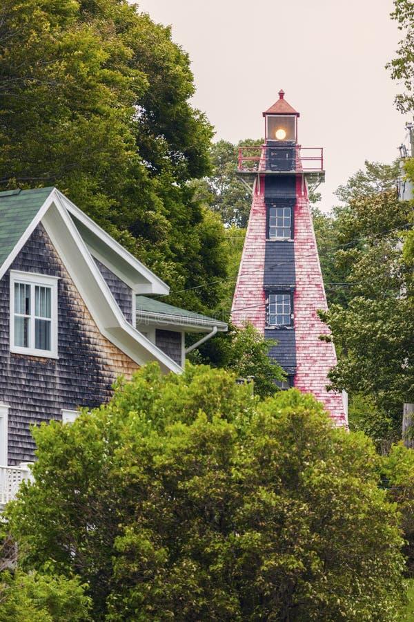 Haszard-Punkt-Strecken-Rückseiten-Leuchtturm auf Prinzen Edward Island lizenzfreie stockfotografie