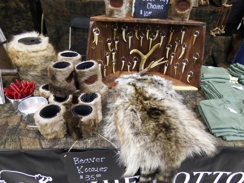 Hatchie Bottom Furs Sales Vendor Display Booth Table at Buckmasters Archery Competition 8-17-19 in Montgomery, Alabama stock fotografie