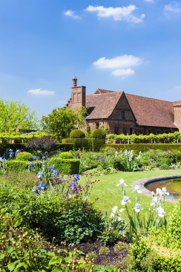 Hatfield议院,赫特福德郡,英国庭院  免版税图库摄影
