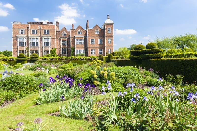 Hatfieldhuis met tuin, Hertfordshire, Engeland stock foto's