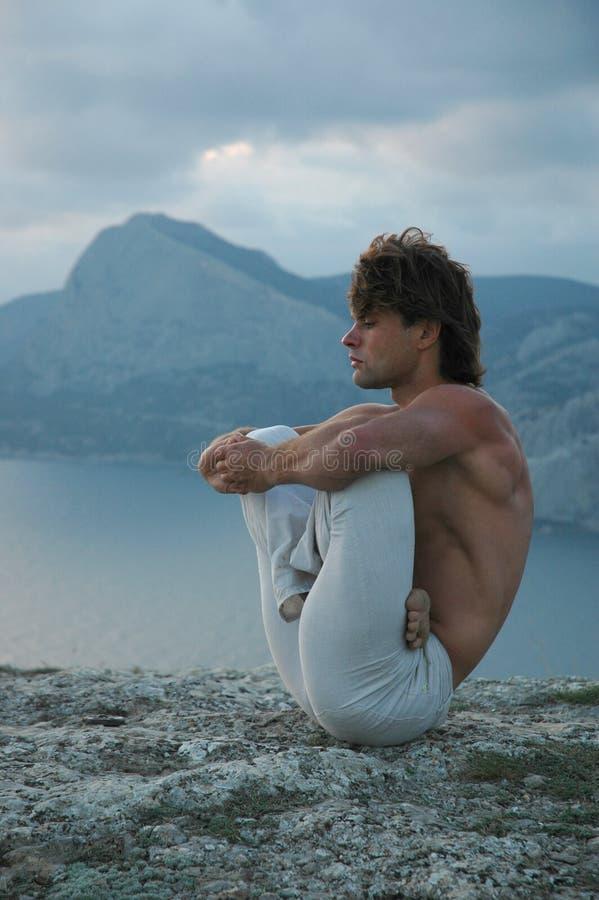 Hatha-yoga: padmasana fotos de archivo
