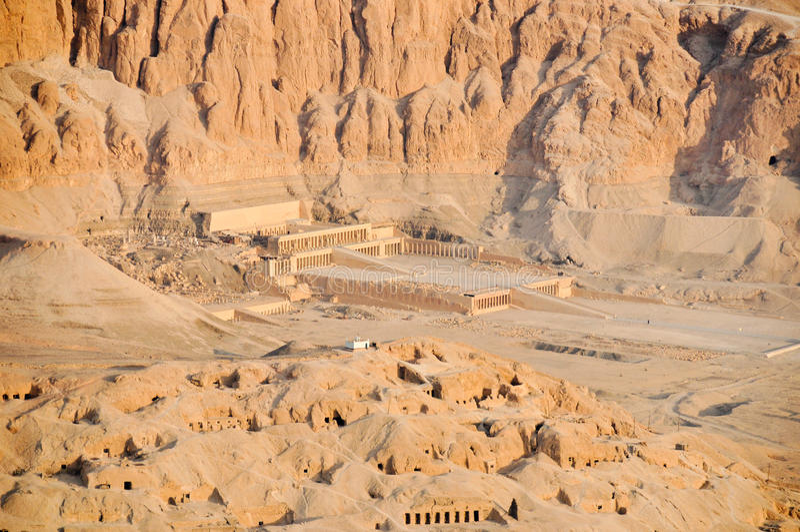 hatshepsut przedpogrzebowa królowej świątynia zdjęcia stock