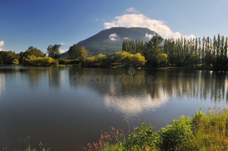 Hatzic See im Auftrag, Britisch-Columbia stockfotografie