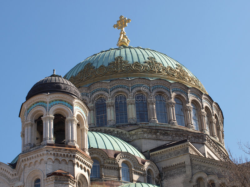 Download Haube über Der Kathedrale Johannes Kronstadt Stockfoto - Bild von gebäude, adler: 9098116