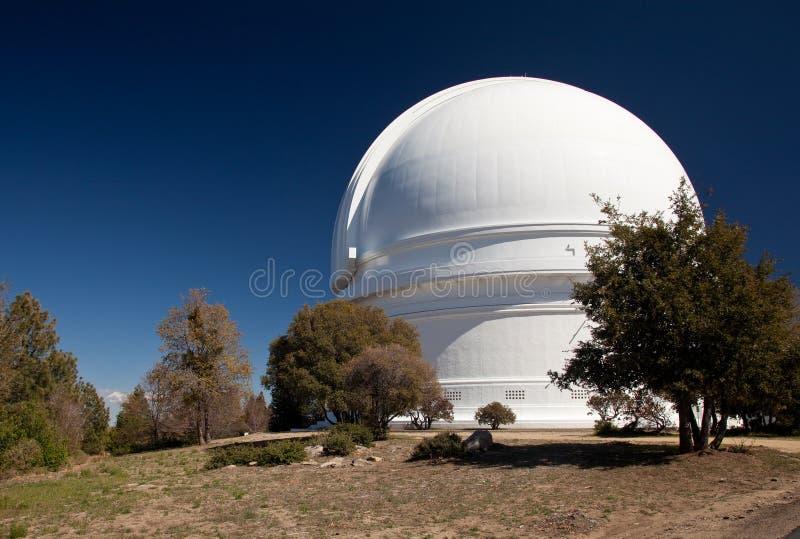 Haube des Montierung Palomar Teleskops lizenzfreie stockbilder