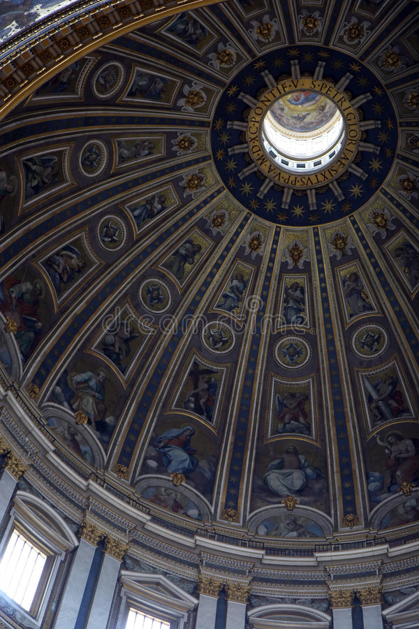 Haube in Vatican stockbilder