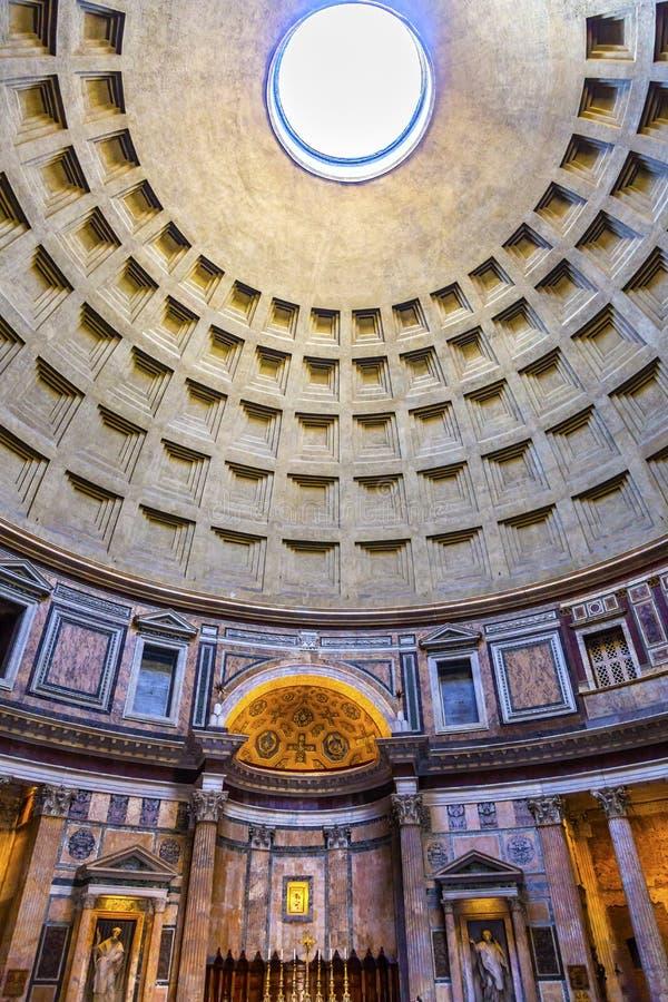 Hauben-Säulen-Altar-Pantheon Rom Italien stockfotos