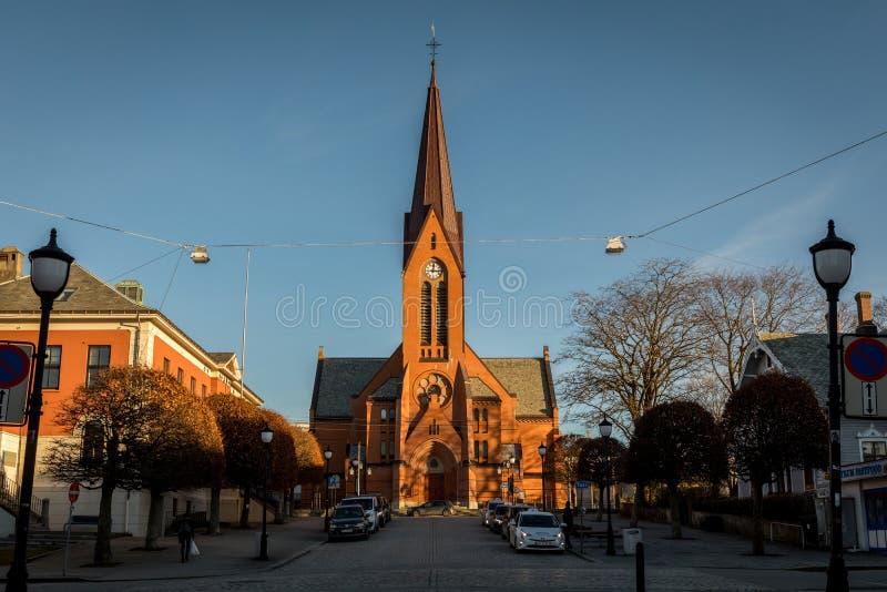 Haugesund, Norvège - 9 janvier 2018 : L'église dans le kirke de ville, de frelsers de variété, ou notre église de sauveurs images libres de droits