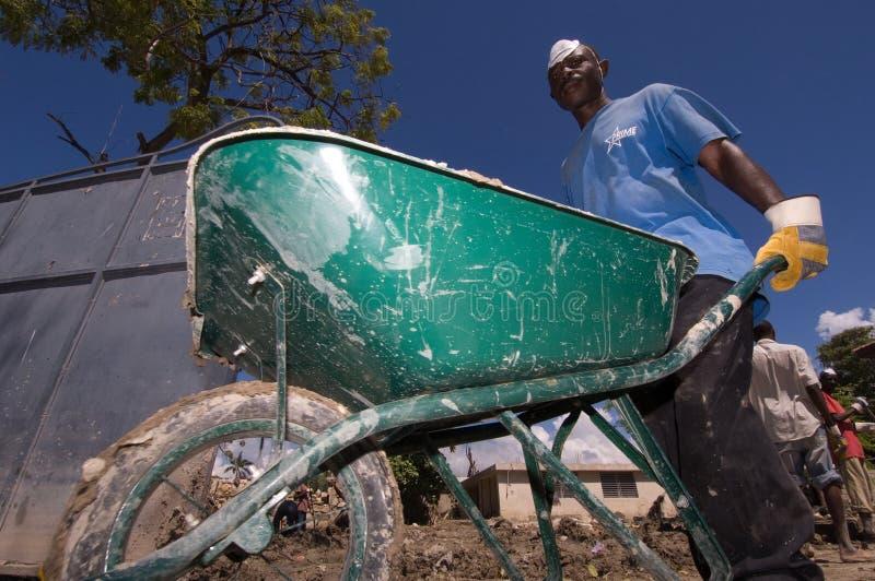 hauling av mud arkivfoto