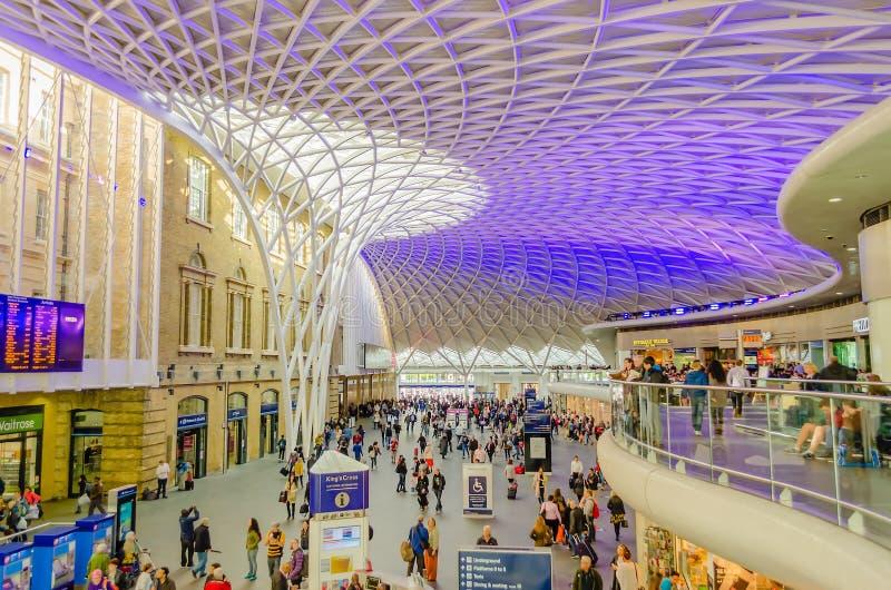 Haupt-Hall der Könige Cross Station in London, Großbritannien lizenzfreies stockfoto