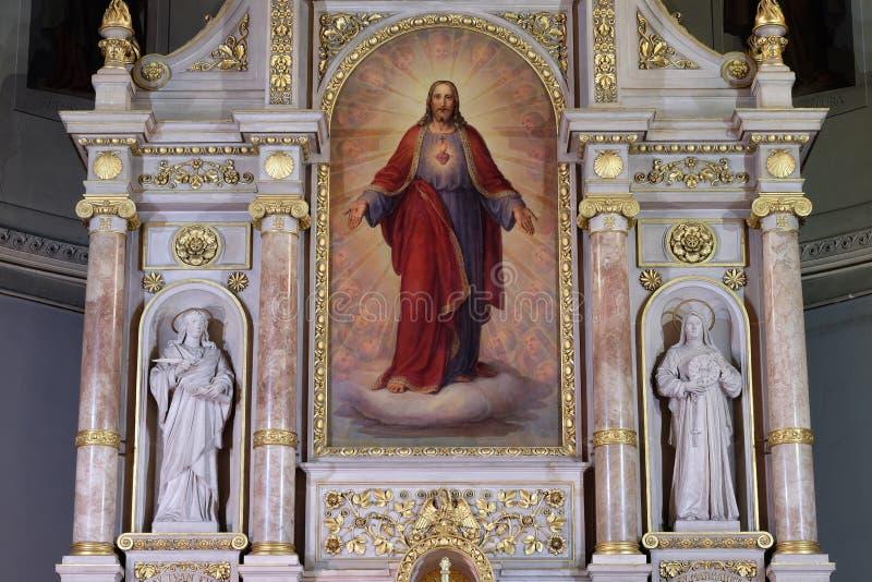 Hauptaltar in der Basilika des Heiligen Herzens Jesu in Zagreb stockfotos