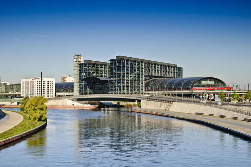 hauptbahnhof berlin стоковое фото