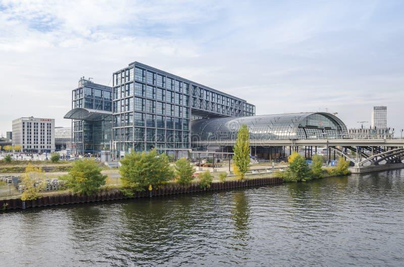 Hauptbahnhof (Berlin Central Station) arkivfoton