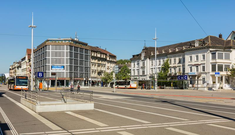 Hauptbahnhofplatz-Quadrat in Solothurn, die Schweiz stockbild