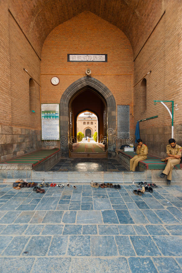 Haupteingang Jama Masjid Srinagar Kaschmir stockfoto