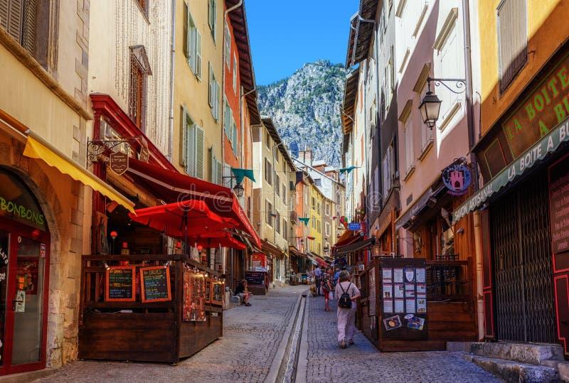 Hauptfußgängerstraße von Briancon-Stadt, Provence, Frankreich stockfoto