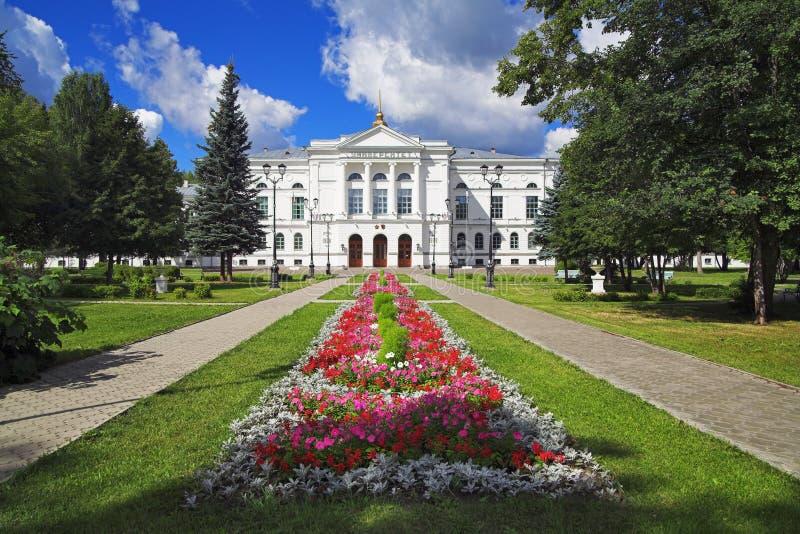 Hauptgebäude der Tomsk-Landesuniversität lizenzfreie stockfotos