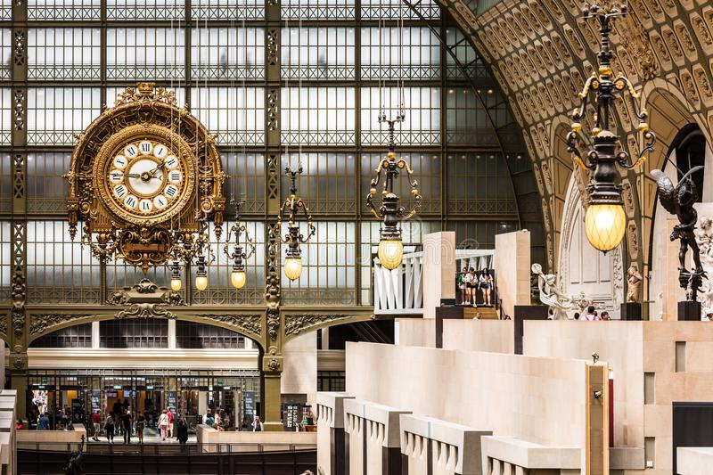 Haupthalle des ` Orsay Orsay-Museum Musee d Paris, Frankreich stockfotos