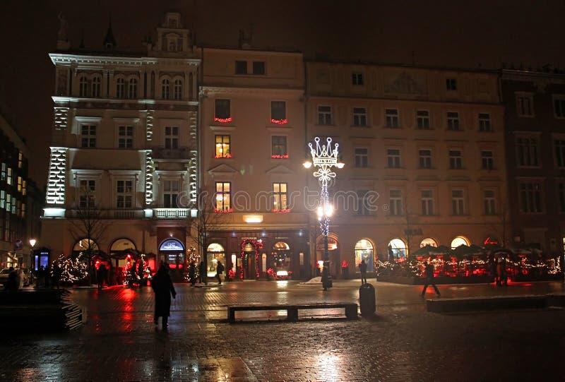 Hauptmarktplatz Rynek Glowny nachts lizenzfreies stockbild