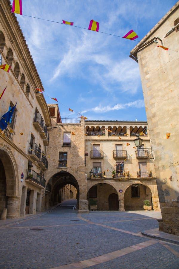 Hauptplatz Plaza de España in Calaceite lizenzfreies stockfoto