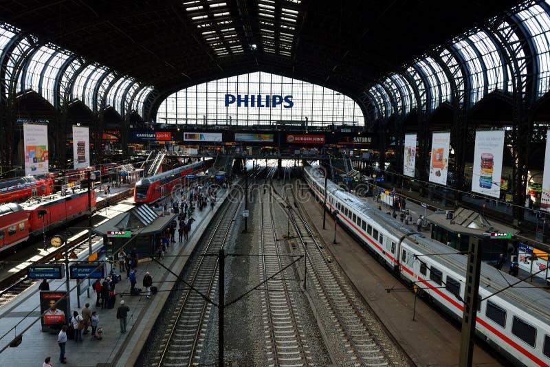 Hauptsächlichbahnhof Hamburgs stockfotografie