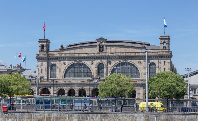 Hauptsächlichbahnhofsfassade Zürichs stockbild