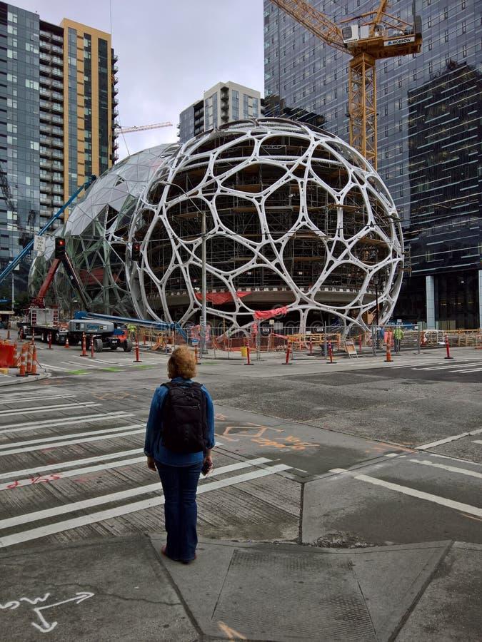Hauptsitze Amazonas Seattle - Biosphären im Bau lizenzfreies stockfoto